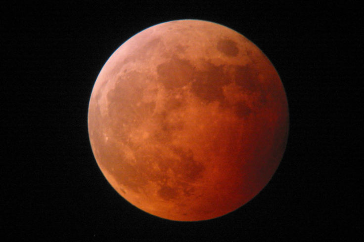 2004 lunar eclipse