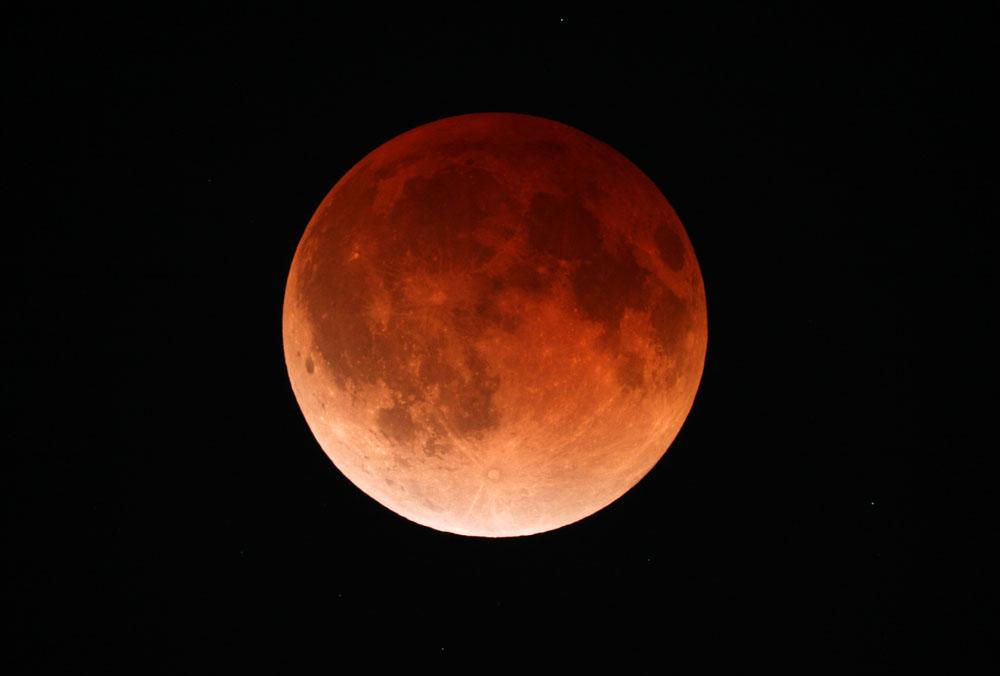 2014-04-15_534d17ee598de_4-15-14LunarEclipseTotality.jpg