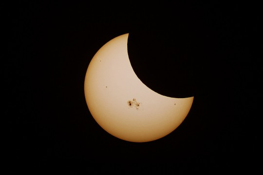 2014-10-24_5449a5185865a_PARTIALSOL.ECLIPSE-mid3small.jpg