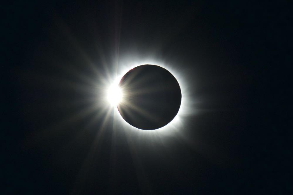 Diamond ring effect, Svalbard eclipse