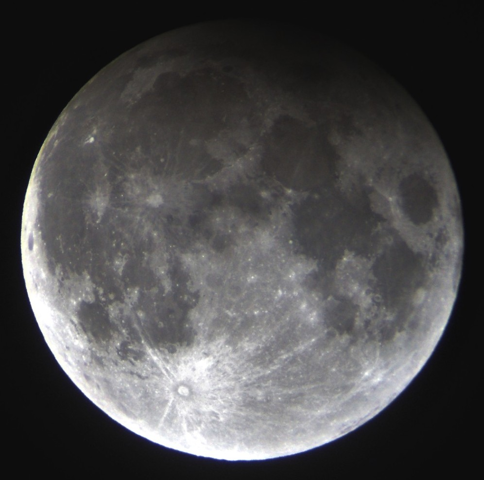 Penumbral Lunar Eclipse of 2017 Feb 11 - Sky & Telescope