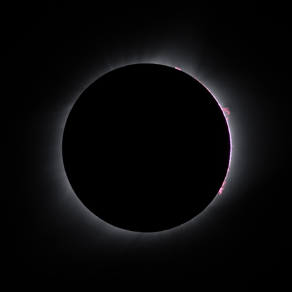 Prominences at Third Contact