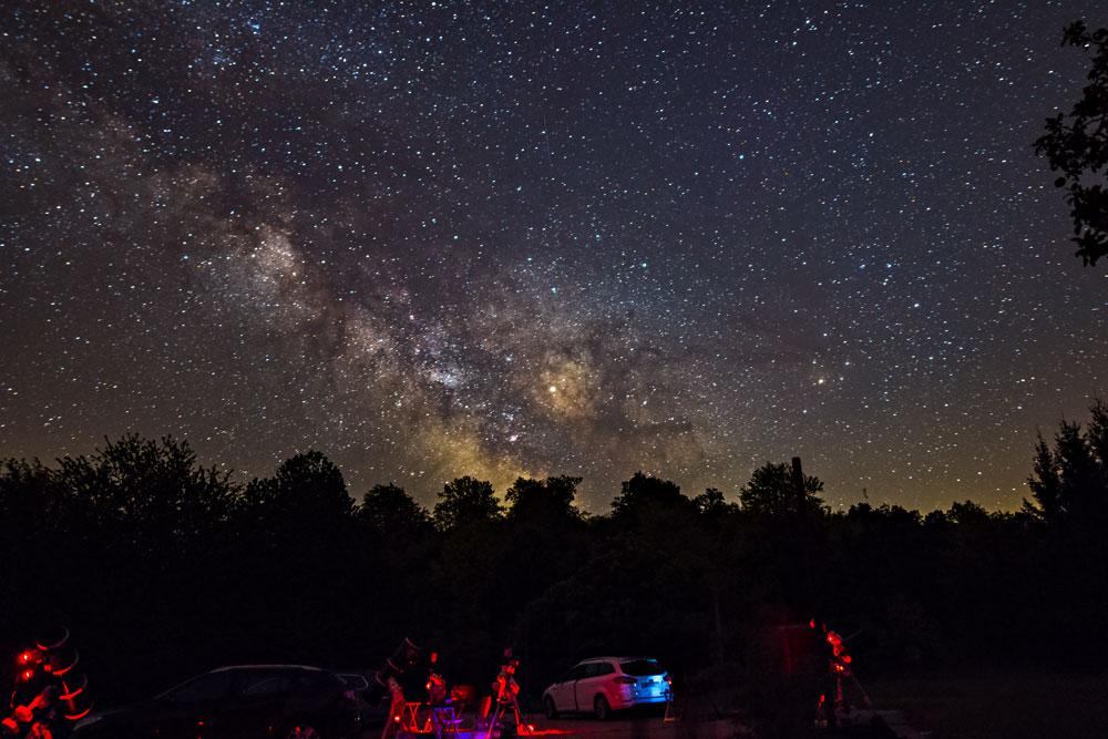 https://skyandtelescope.org/wp-content/uploads/2018-05-26_5b0904ed59012_mw_pg1.jpg