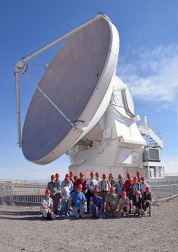 ALMA dish with S&T tour group