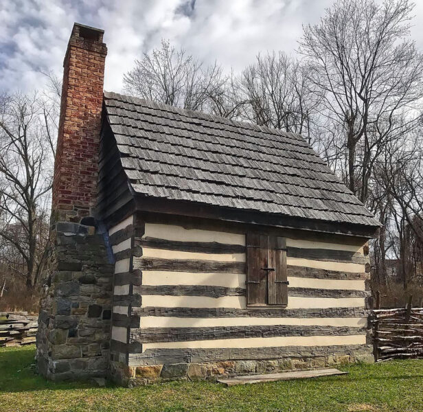 Log cabin in Benjamin Banneker Historical Park