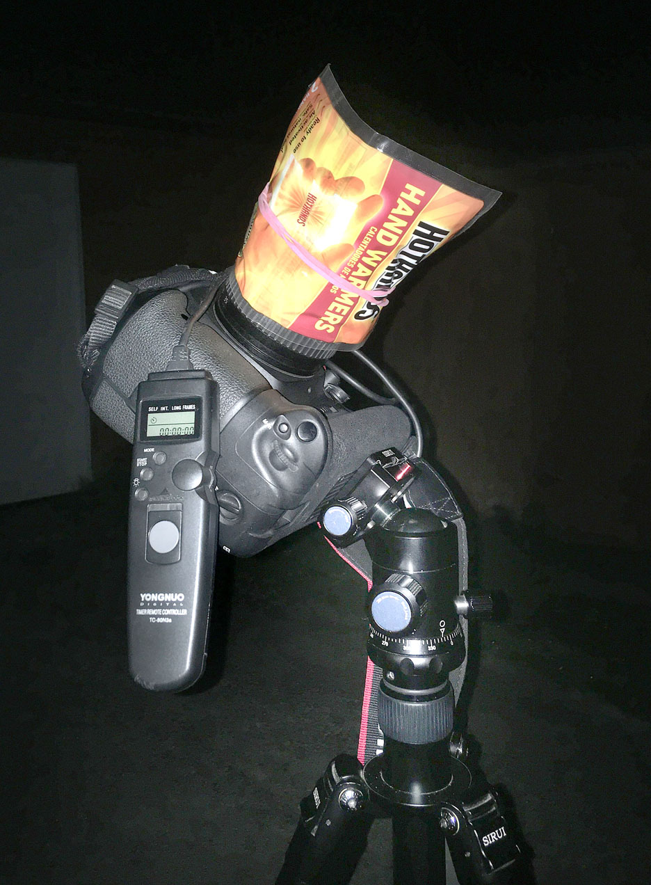 Camera with intervalometer for meteor photography