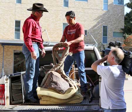 Clarendon meteorite arrives at TCU