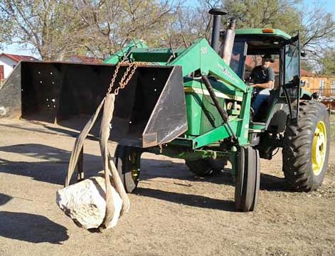 Tractor carries Clarendon meteorite