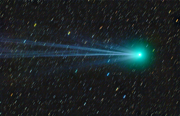 Comet Lovejoy and its double tail, Jan. 18, 2015