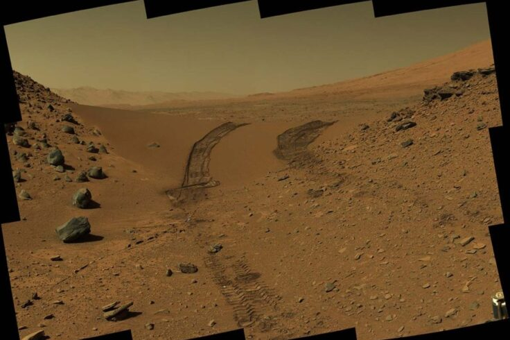 Rover tracks on Mars