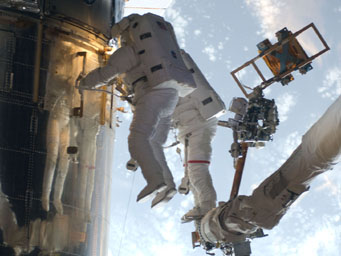 Astronauts repair Hubble Space Telescope