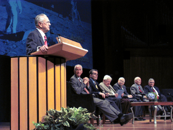 Kraft addresses Giant Leaps sympoium