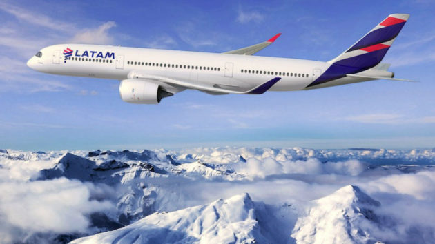 LATAM A321-200 in flight