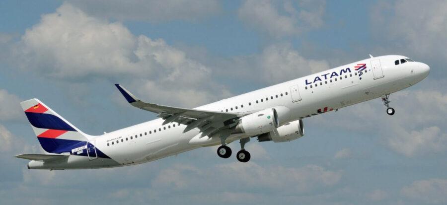 LATAM A321 takeoff