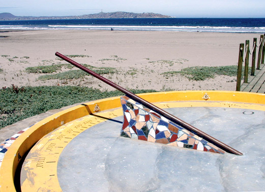 Sundial on La Serena beach