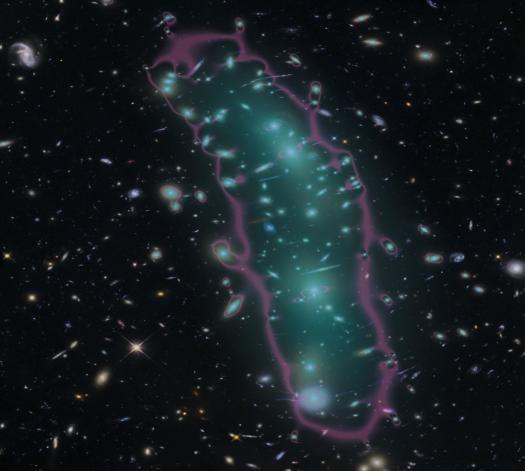 MACS 0416 galaxy cluster and faint galaxies behind it