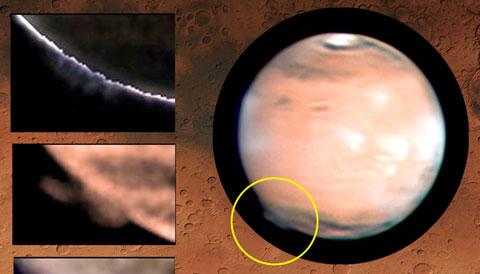 clouds on Mars 2012