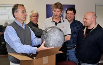 Arrival of <i>S&T</i> Moon globe