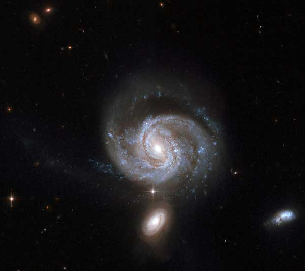 Mrk 533 in Hickson 96 compact group of galaxies