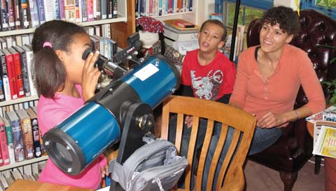 Library telescope with kids
