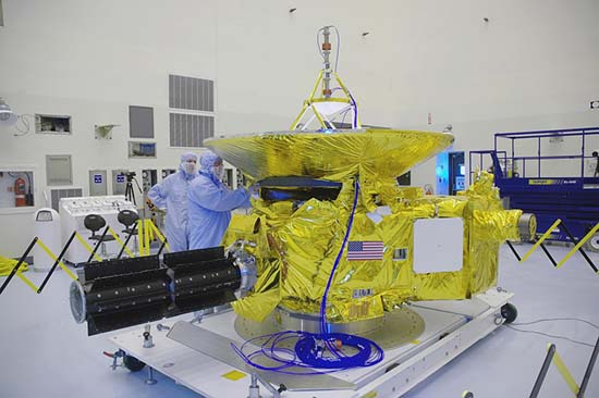 New Horizons in NASA clean room
