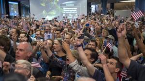 New Horizons' countdown crowd