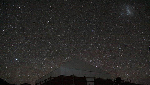 Night sky over Observatorio del Pangue