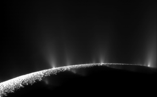Picture of plumes of Enceladus