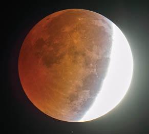 Partial lunar eclipse</em srcset=