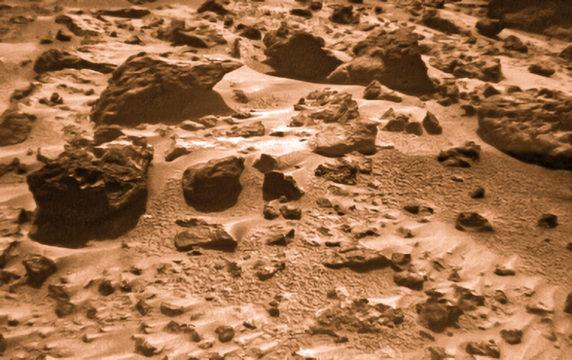 Pathfinder's view of Mars