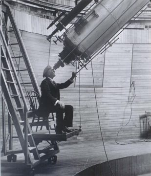 Percival Lowell observes