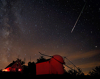 Perseid meteor over Stellafane