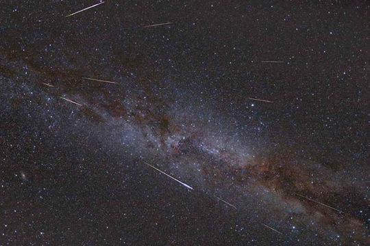 Streaking Under the Stars