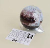 Pluto-globe2