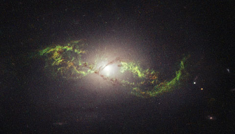 NGC 5972 and the ghost of quasars past