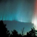 Rayed auroral band