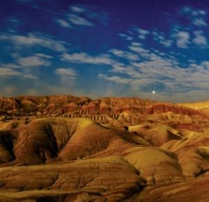 Broken clouds enhance nightscape