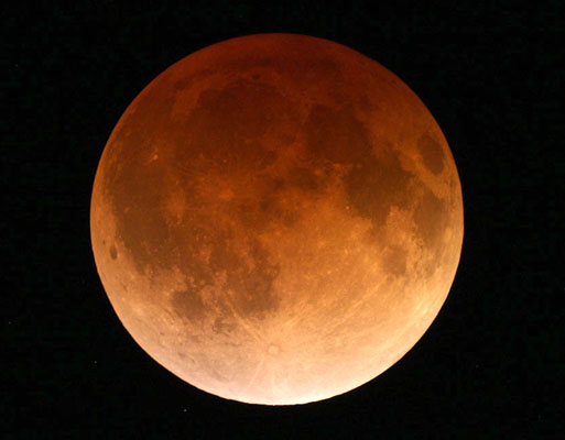 Totally eclipsed Moon, April 15, 2014