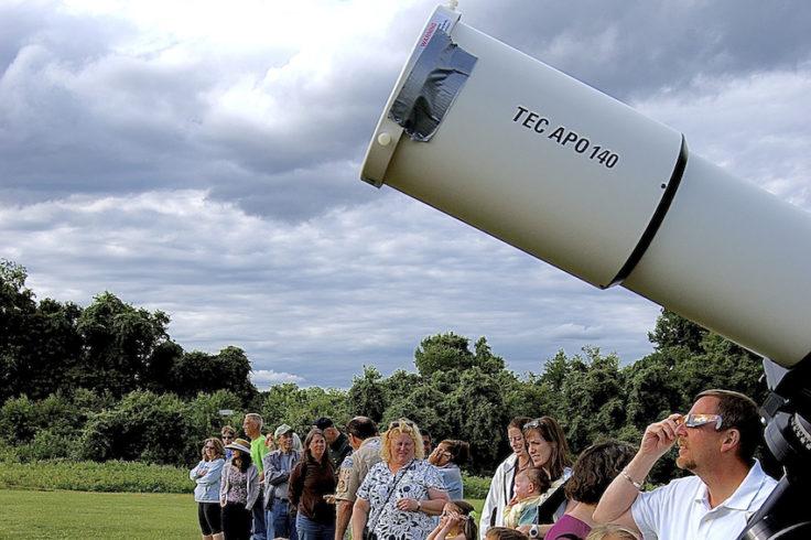 Line to see Transit of Venus, Turner Farm Observatory,