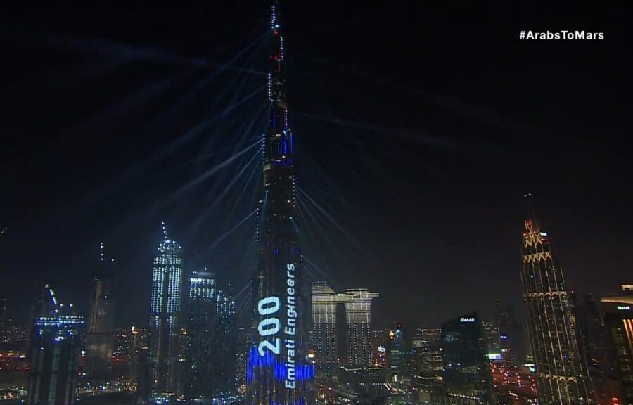 Dubai lightshow celebrates Hope at Mars