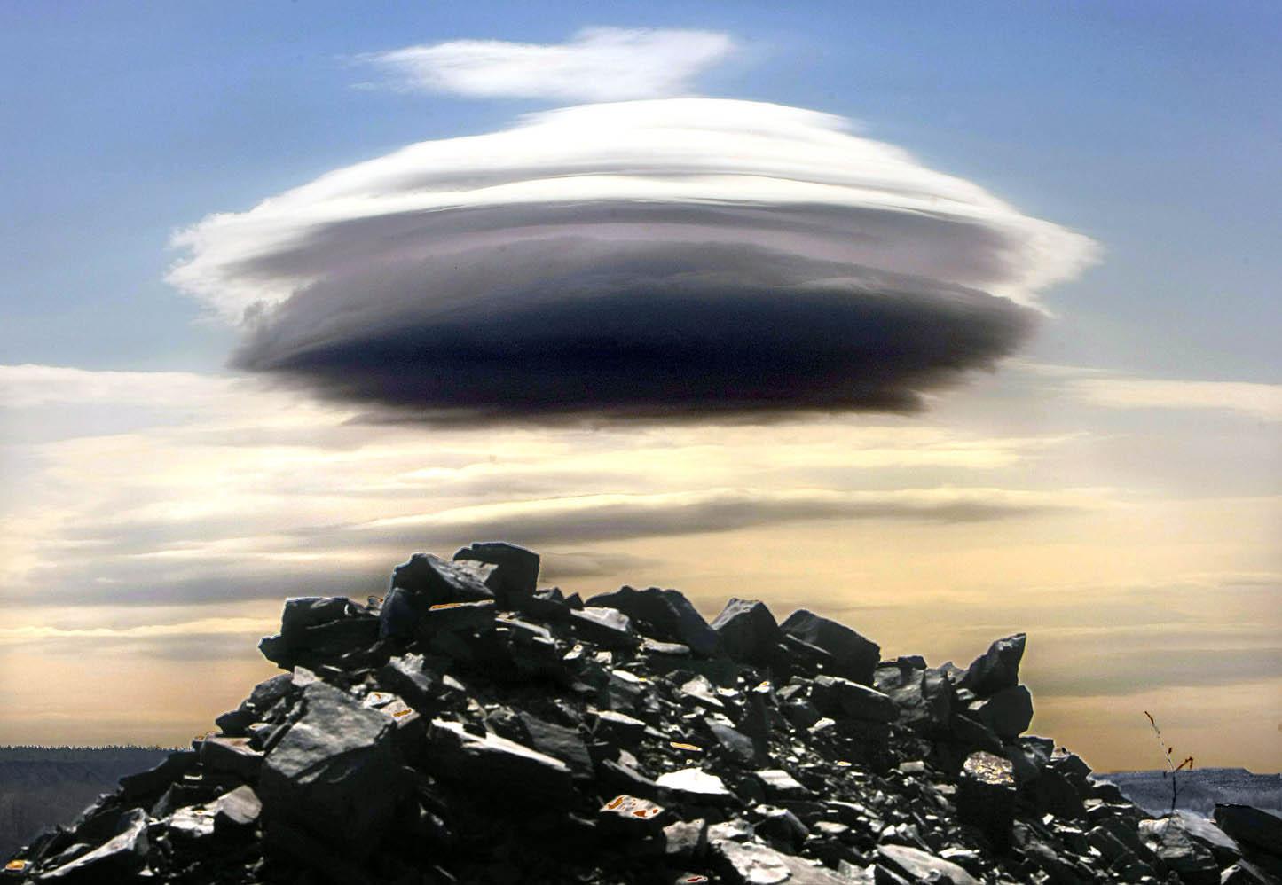 Saucer Cloud