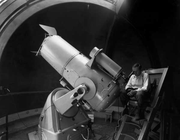 Fritz Zwicky at 18-inch Schimdt telescope