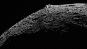 Picture of ridge on Iapetus