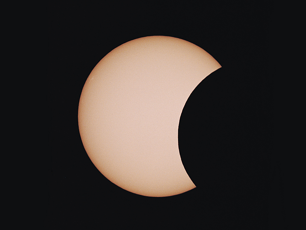 Photographing a partial solar eclipse