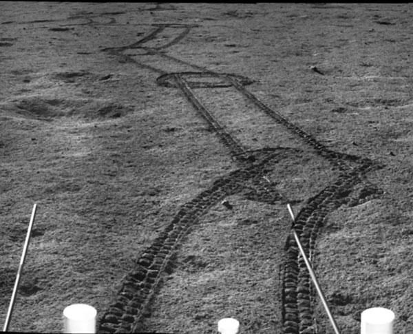 Yutu 2 makes tracks